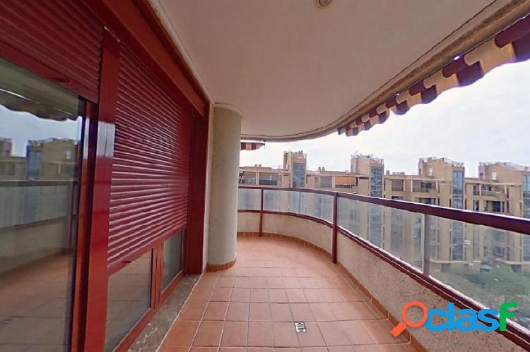 Magnifico piso cortes valencianas con garaje,trastero, piscina y gimnasio.