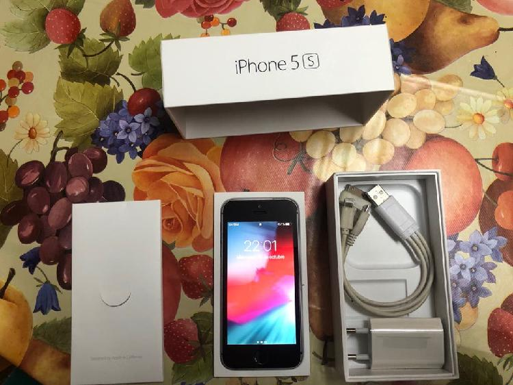 Iphone 5s 16Gb negro LIBRE IMPECABLE
