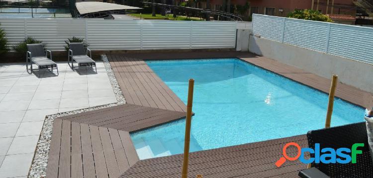 Villa en venta en benicásim, a escasos metros del mar