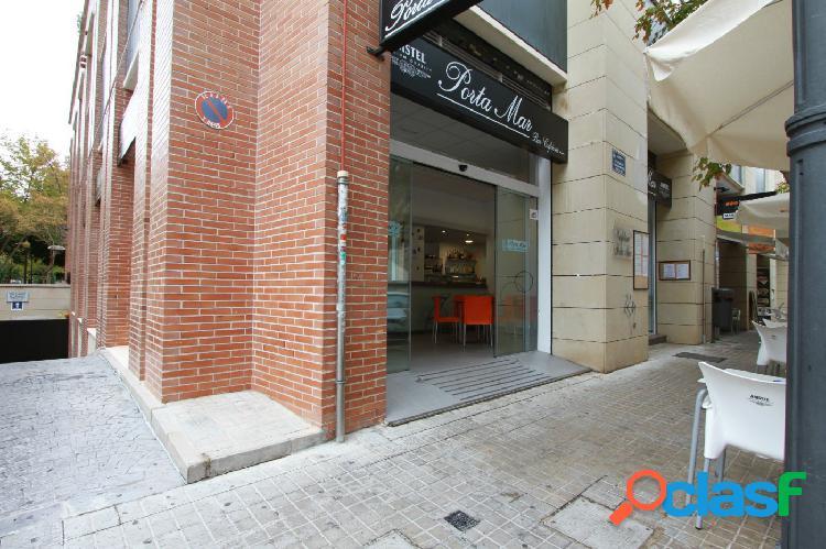 Local restaurante con terraza,en zona peatonal y en pleno funcionamiento junto juzgados de valencia