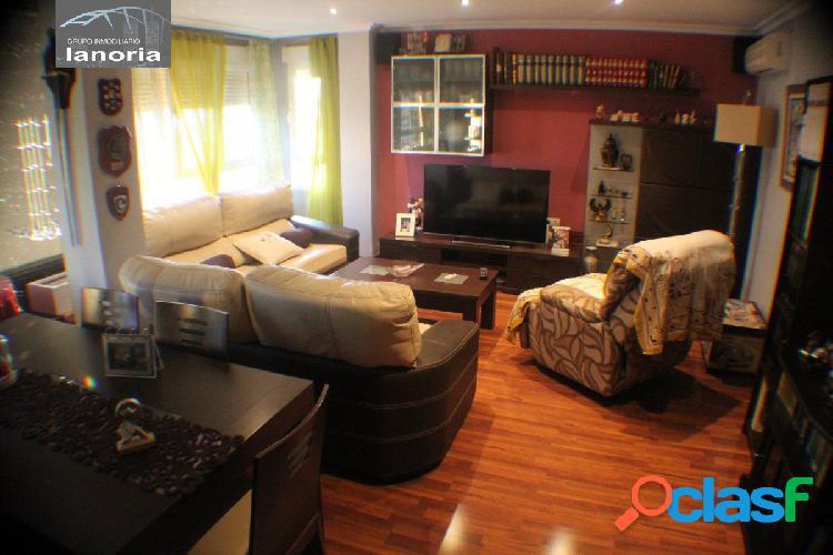 La noria vende amplio piso totalmente reformado, en avda españa, garaje y mobiliario incluido.