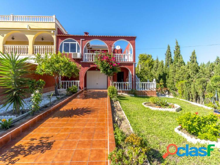 Villa adosada estilo mediterráneo en los balcones, torrevieja