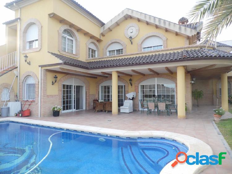Chalet con piscina privada alto standing alto real