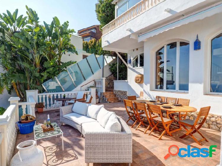 Casa zen, hermosa villa con magníficas vistas al mar y licencia turística