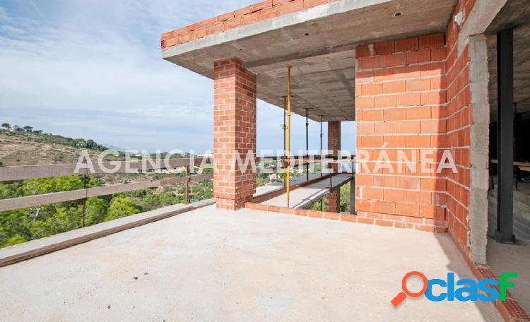 VENTA EN EXCLUSIVA Moderno chalet en construcción con vistas al mar en Las Rotas 2