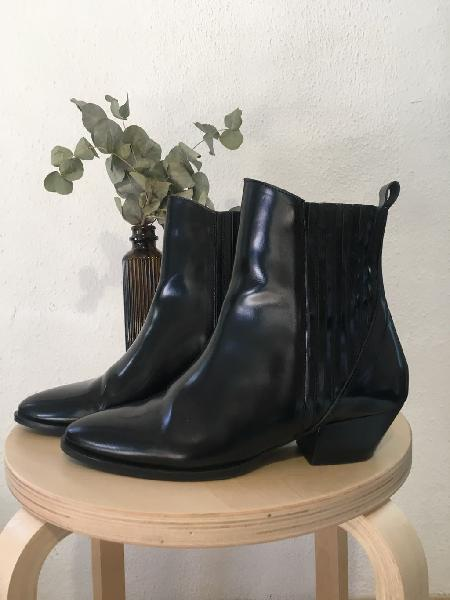 Botas cuero cowboy &otherstories