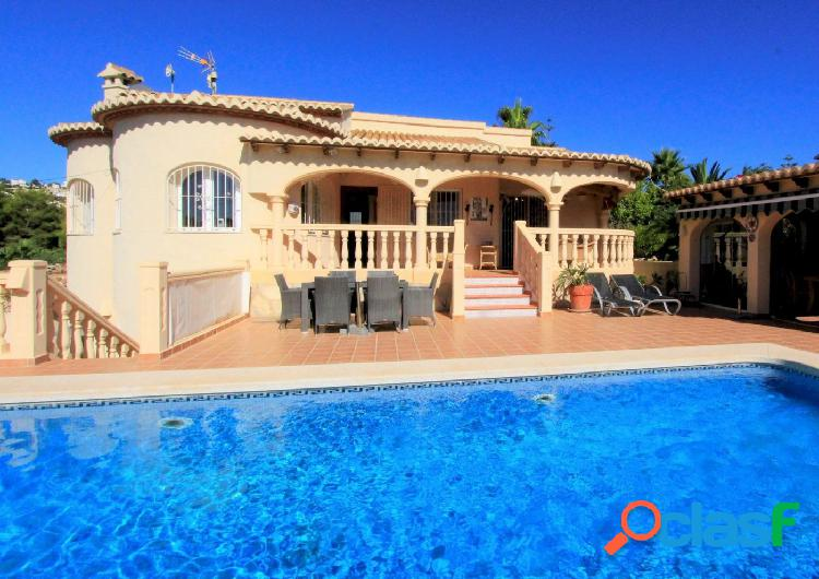 Villa de estilo mediterráneo en calpe a solamente 2500 metros de la playa