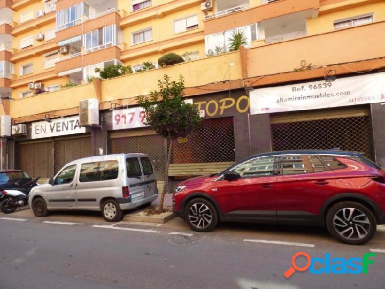 Local en venta en el casco urbano de denia de 250 m2