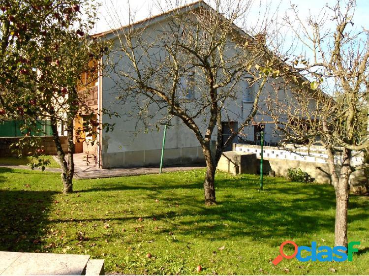 Casa adosada con Cuadra y huerta en VALDESOTO 2