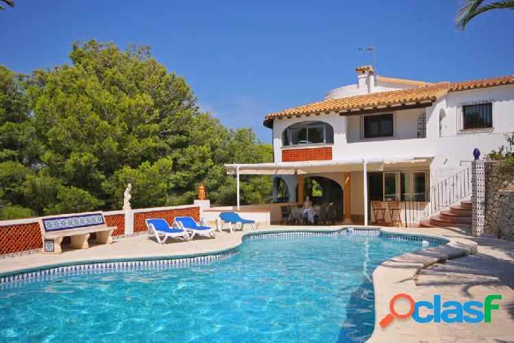 Amplia villa con vistas al mar y piscina privada en las rotas, denia