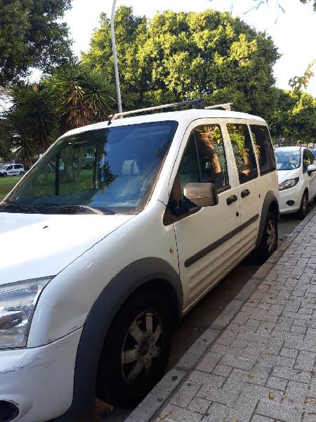Ford tourneo connect 2010