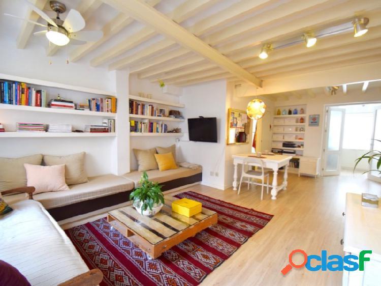 Coqueto piso reformado casco antiguo palma 1 dormitorio 70 mtrs.