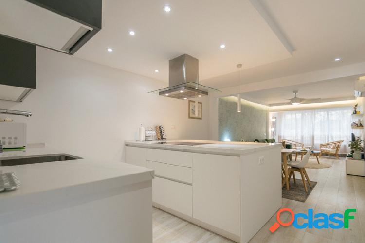 Apartamento totalmente reformado de 3 dormitorios en la mejor zona del lado de la playa de marbella.