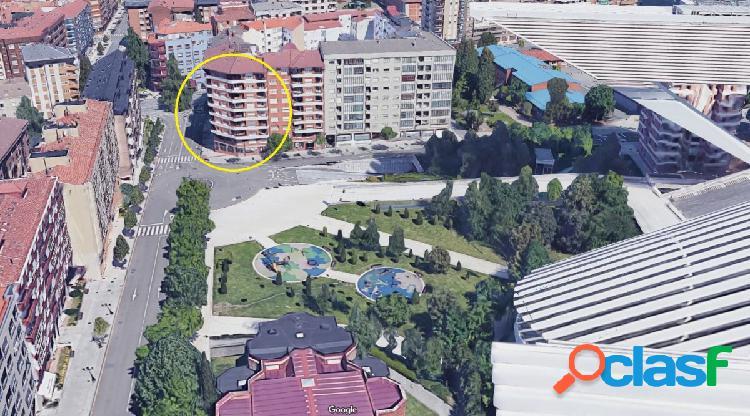Piso 141 m2 reformado en blanco y totalmente exterior. rotonda calatrava. gran plaza garaje. vistas