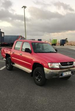 Toyota hilux 2.5d doble cabina 4x4