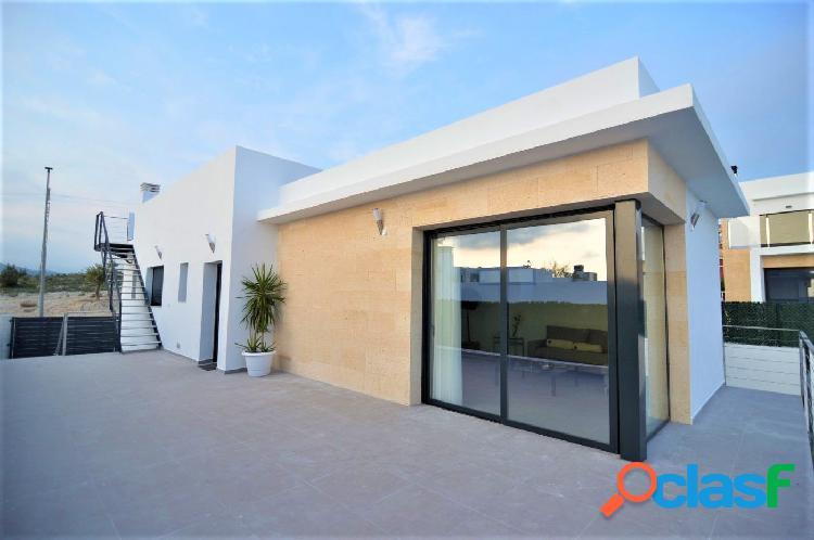 Villa moderna de nueva construcción en finestrat con vistas al mar y piscina privada