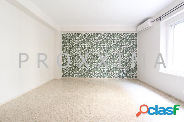 Amplio piso en alquiler en zona de nervión!!