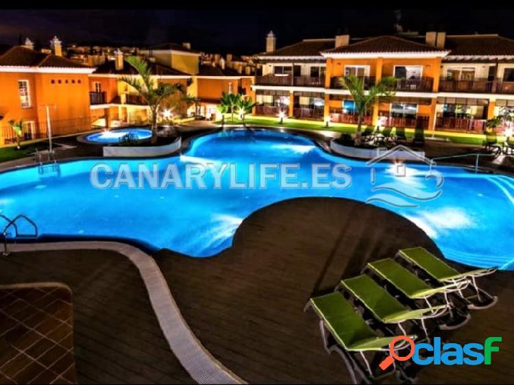 Espectacular apartamento con vista al mar en complejo de lujo con piscina y jacuzzi