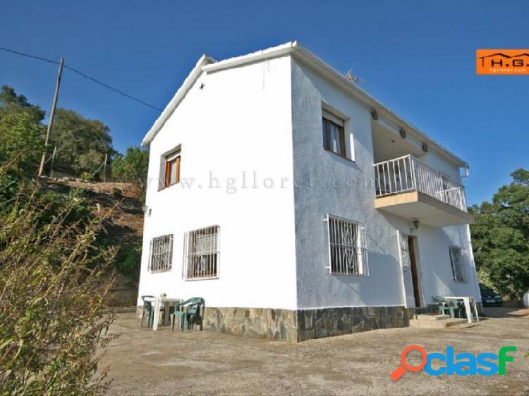Casa con terreno de 5.000 m2