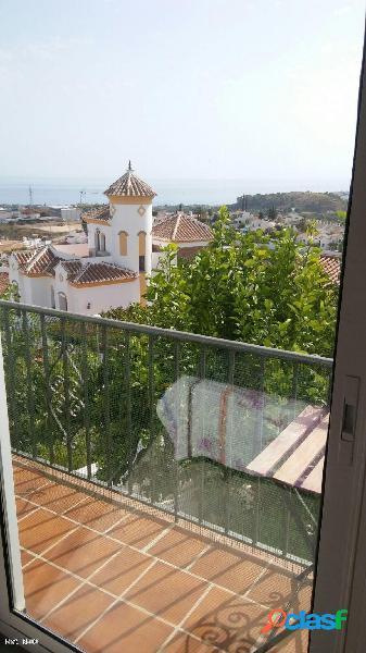 Casa semiadosada en urbanización la noria, 3 dormitorios
