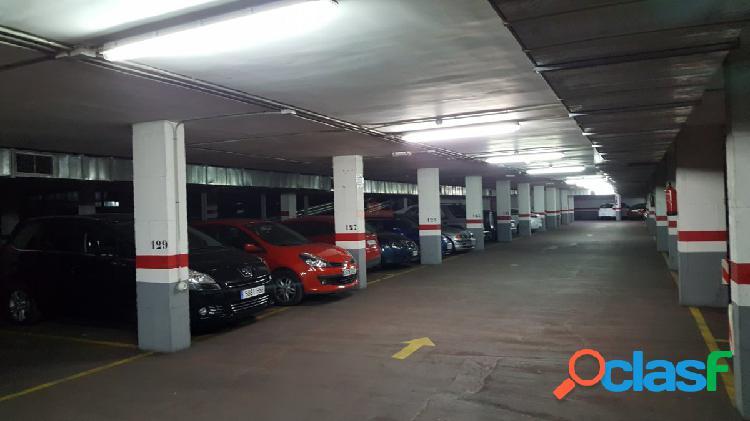 Plazas de garaje en venta en zona deposito del sol