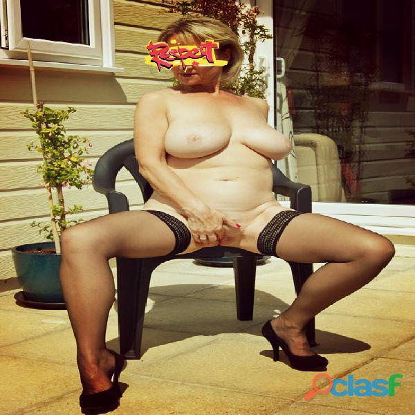 Me encanta exhibirme y me encanta el sexo