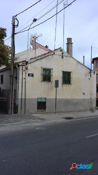 Se vende casa para reformar en el centro de palazuelos de eresma.