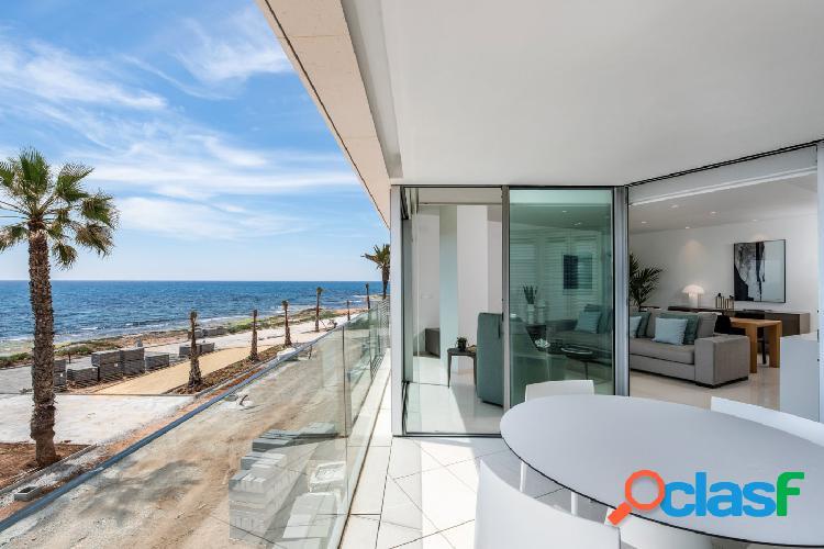 Estupendo apartamento con una estupenda vista al mar.