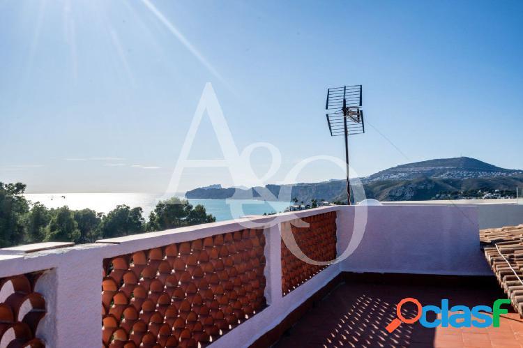 Chalet con vistas al mar en balcón al mar, jávea