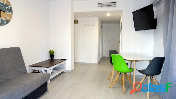 Reformado apartamento con licencia turística a solo 2 minutos andando hasta la playa levante.
