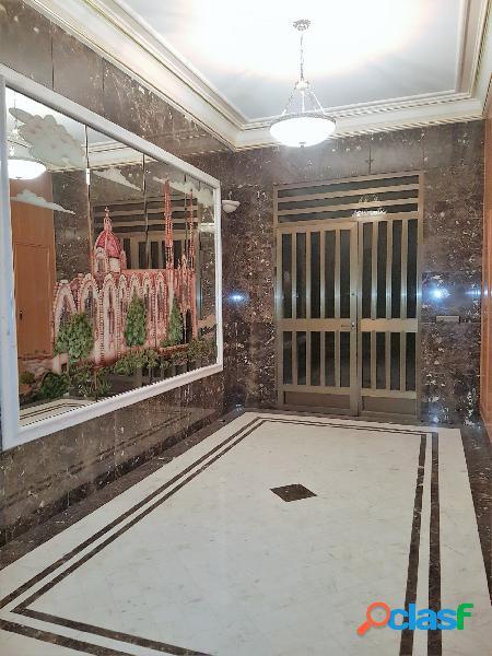Se vende lujosa vivienda unifamiliar de cinco plantas en pleno centro de novelda