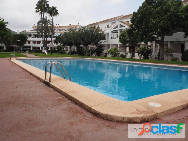 Alquiler temporal - bajo con piscina