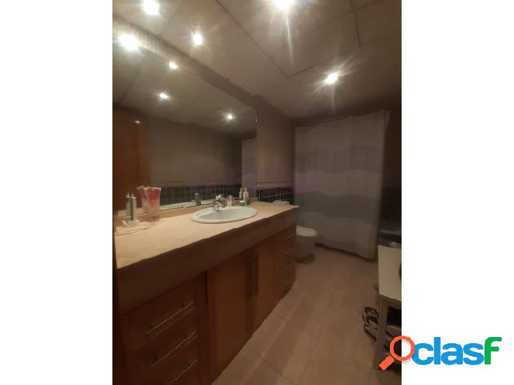 Piso con garaje incluido, 3 habitaciones y 2 baños