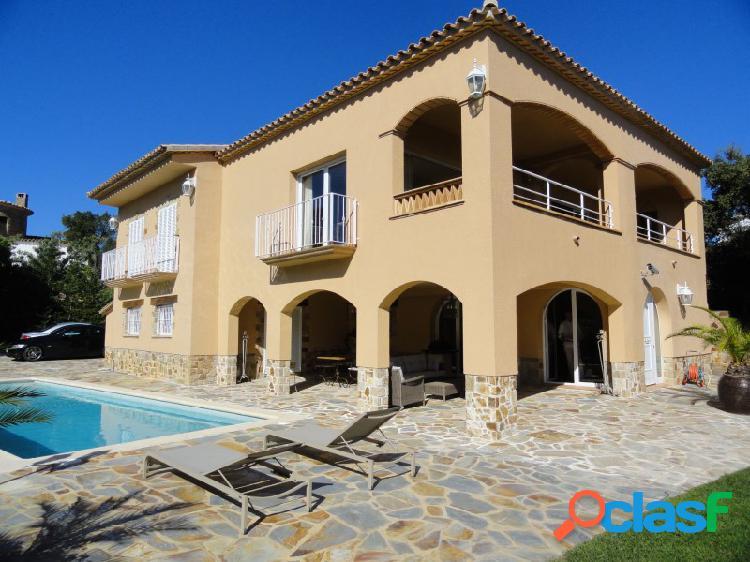 Villa exclusiva con mucho encanto