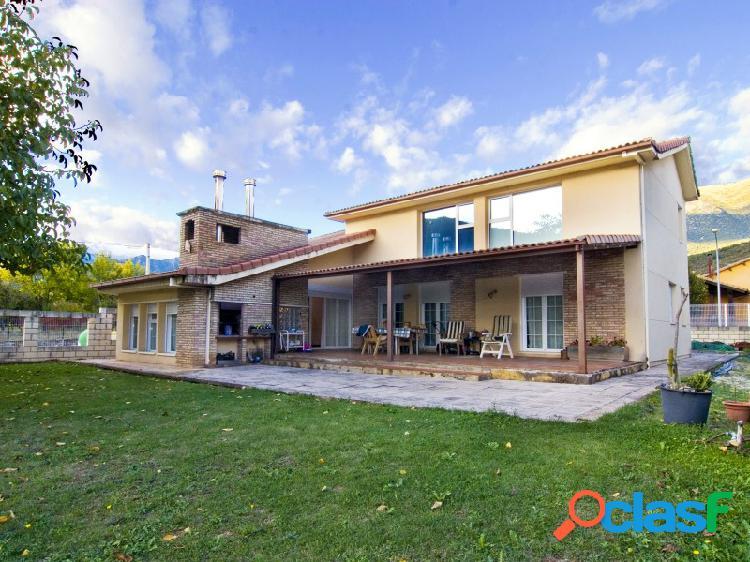 Chalet de lujo a los cuatro vientos en venta, Campo, Ribagorza Huesca