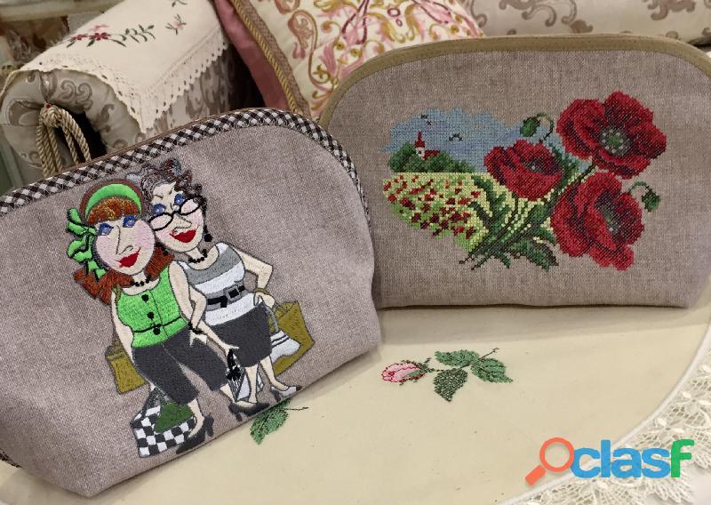 Bolsa de cosméticos de lino con bordado.trabajo manual