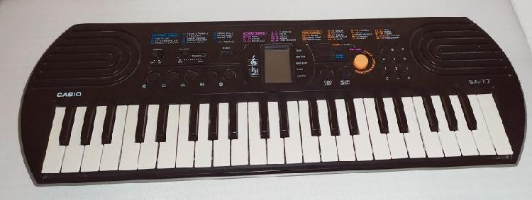 Teclado musical casio sa77
