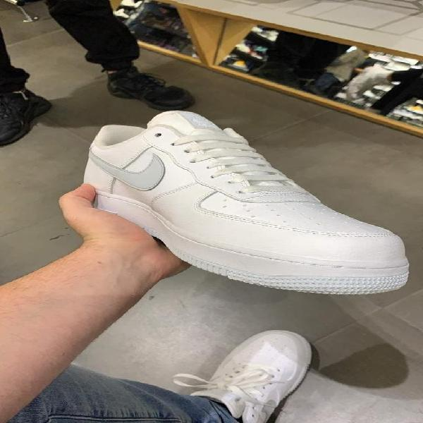 NIKE AIRFORCE LOW 07