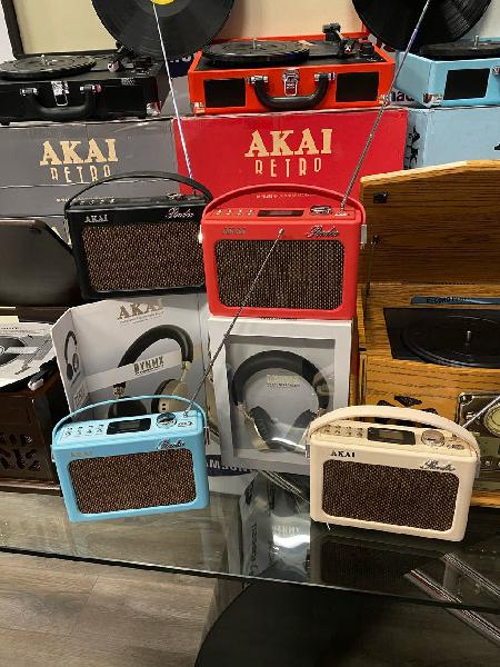 Radio retro akai con bluetooth
