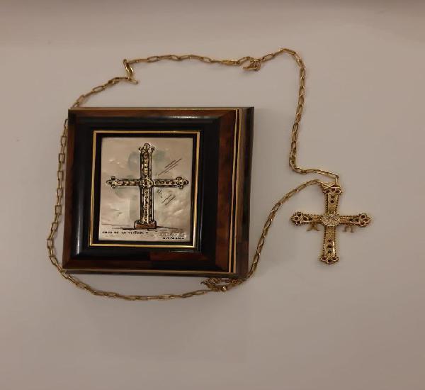 Cruz de la victoria de oro