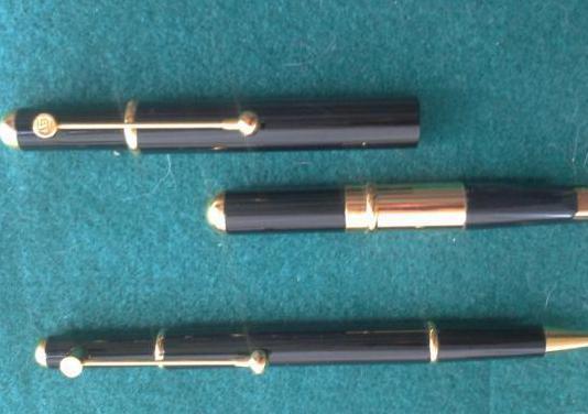 Juego pluma y bolígrafo