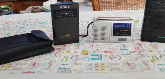 Lote 3 transistores radio fm/am antiguos