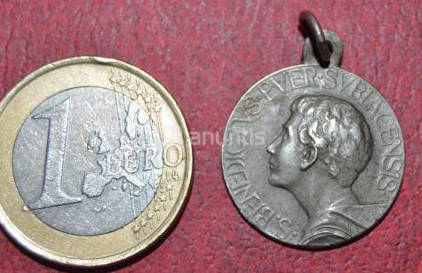 Medalla plata san benedictus puer 1872