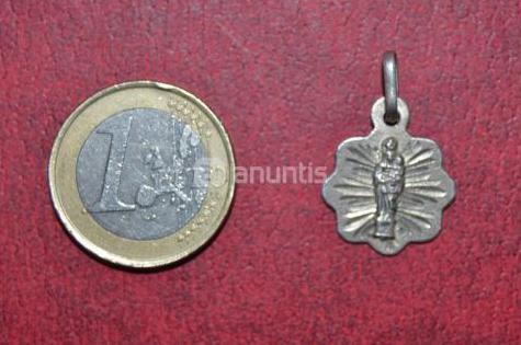 Medallita plata de la virgen del pilar muy antigua
