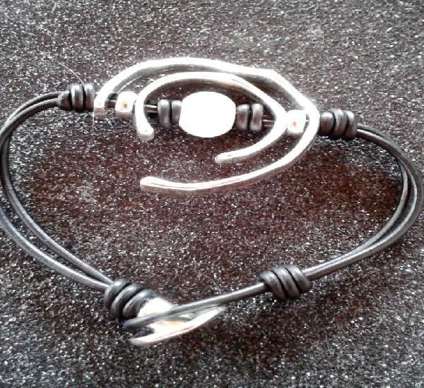 Pulsera plateada con perla símil a famosa marca uno de...