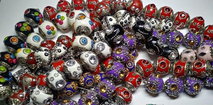 Resto de bolas estilo hippie