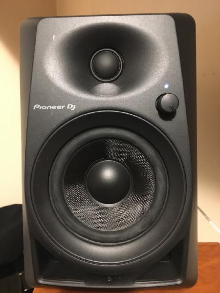 Altavoces/monitores pioneer djm 40