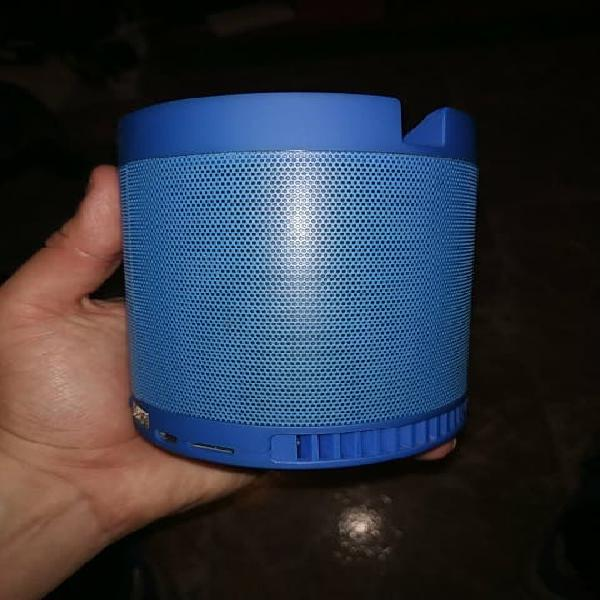 Altavoz bluetooth azul