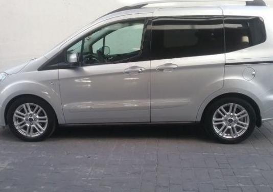 Ford tourneo courier 1.5 tdci 70kw