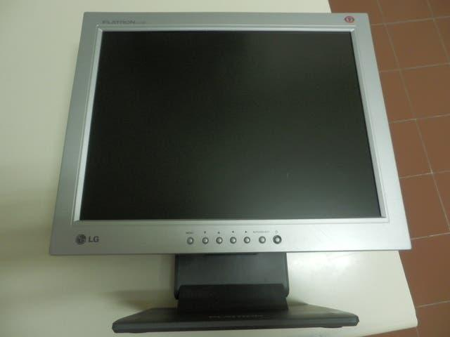 Monitor lg flatron l1510s